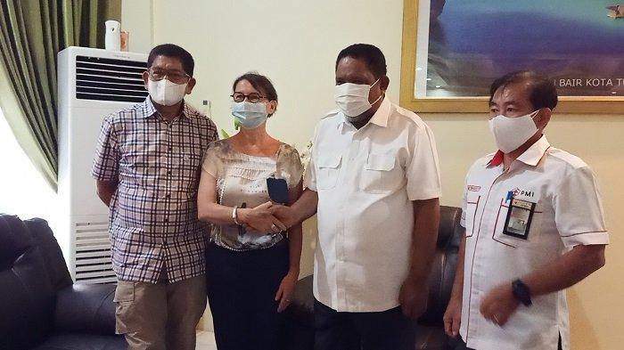 Wali Kota Tual Apresiasi Dukungan PMI dan ICRC Vaksinasi Warga Hingga Pelosok Desa