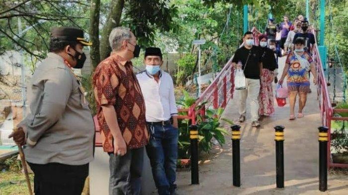 Cegah Penyebaran Covid-19, Wali Kota Tangerang Selatan Bubarkan Warga di Taman Kota 2
