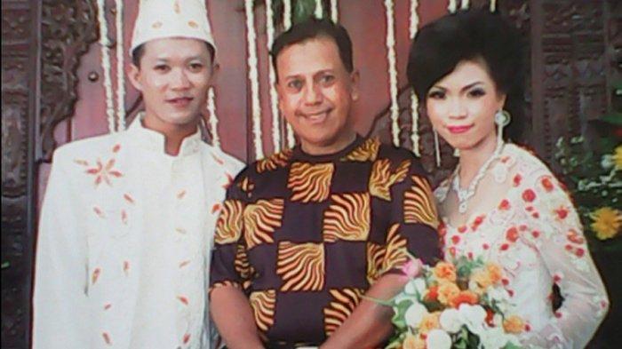 Bisnis yang digeluti Wan Abud bergerak dalam bidang tata rias pengantin dan jasa paket pernikahan.