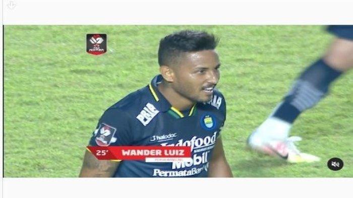 Wander Luiz membawa Persib Bandung unggul 1-0 atas Persiraja di babak pertama dalam lanjutan pekan ketiga atau laga pamungkas grup D Piala Menpora 2021 di Sadion Maguwoharjo, Jumat (2/4).