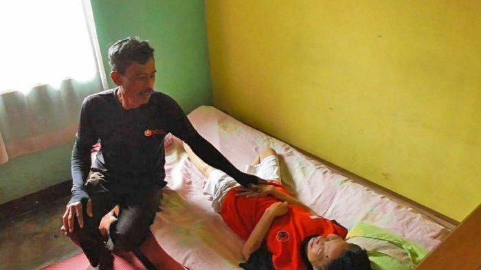 Wanita Ini Tiba-tiba Lumpuh, Punya Riwayat Darah Tinggi dan Telat Kontrol, Kini Hanya Bisa Terbaring
