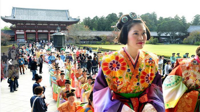 Jangan Sampai Salah! Ini 4 Pakaian Tradisional Khas Jepang yang Sekilas Mirip Kimono