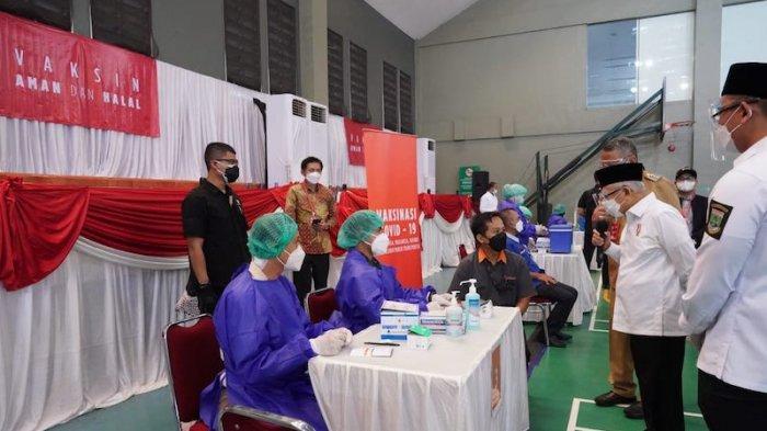 Wapres Tinjau Pemberian Vaksin di Tangsel dan Tangerang: Targetkan 1 Juta Vaksinasi per Hari