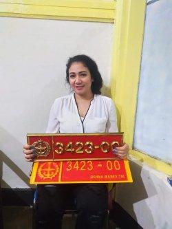 Mabes TNI Benarkan POM TNI Tangkap Perempuan yang Pamerkan Plat Dinas TNI Palsu 3423-00 di Medsos