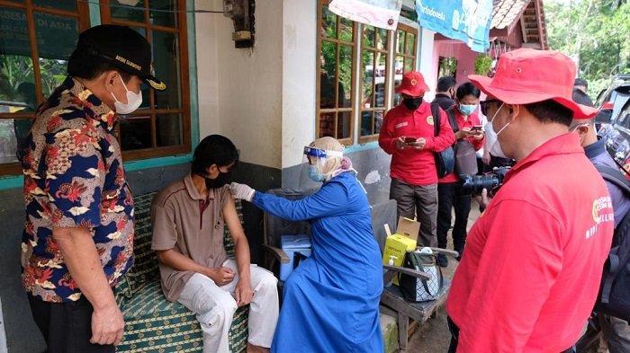 Bupati Banjarnegara Nilai Vaksinasi Door to Door Sangat Efektif