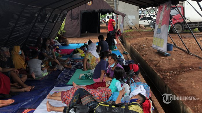 DPRD DKI Usul Pemprov Bagi-bagi Masker Saat Evakuasi Korban Banjir