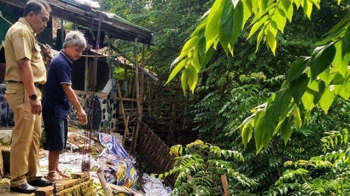 Bantaran Sungai di Weleri Kendal Ambles, Rumah-rumah Warga di Sekitarnya Terancam Longsor