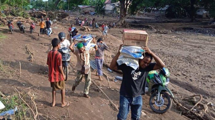 KSPSI Distribusikan Bantuan untuk Korban Banjir Bandang NTT Lewat Tanjung Perak