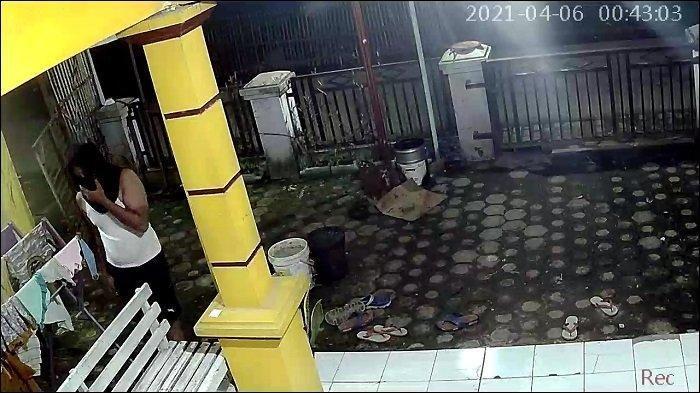 Terekam CCTV, Tengah Malam Pria Bertopeng Curi Celana Dalam Wanita di Bekasi