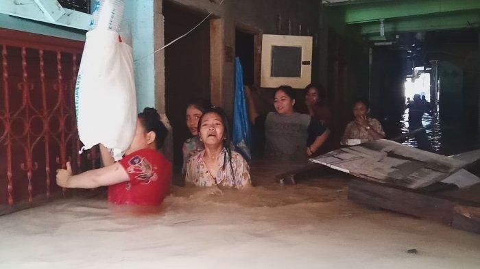 10 Orang Terpeleset Saat Terjebak Banjir di Medan Hanya 4 Yang Selamat