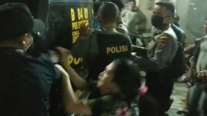 Aril Ditangkap Saat Pengejaran Kurir Sabu, Warga Minta Dibebaskan, Polisi Tuduh Jadi Provokator