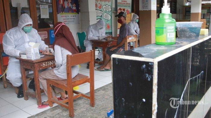 TNI Ikut Bantu Bujuk Warga Petamburan Ikut Rapid Test Gratis
