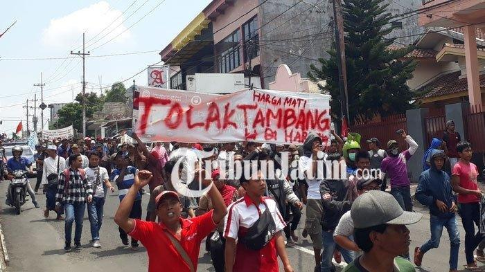 BREAKING NEWS: Warga Silo Jember Demo Tolak Tambang