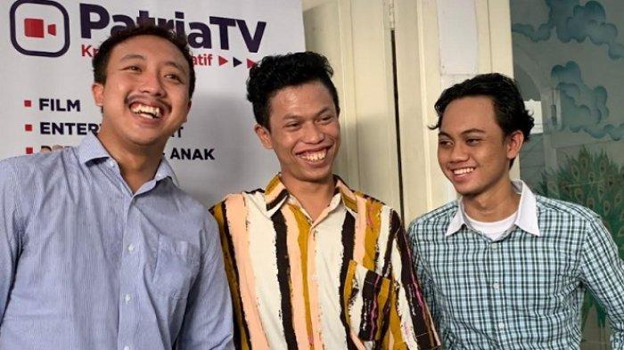 Warkopi usai menggelar jumpa pers untuk mengklarifikasi teguran Indro Warkop di kawasan Sawangan Depok, Jawa Barat, Jumat (24/9/2021)