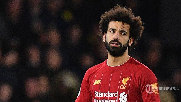 Ekspresi pemain tengah Liverpool asal Mesir, Mohamed Salah usai pemain tengah Watford asal Senegal, Ismaila Sarr mencetak gol kedua bagi timnya dalam laga lanjutan Liga Inggris 2019/2020 di Stadion Vicarage Road, Watford, London Utara, Inggris, Minggu (1/3/2020) dini hari WIB. Liverpool kalah telak 0-3 dan ini merupakan kekalahan pertama The Reds di Liga Inggris pada musim ini sekaligus menghentikan rekor tak terkalahkan yang dicapai Liverpool. AFP/Justin Tallis