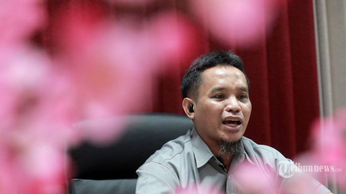 Terpidana Kasus Bom Bali 1 Ali Imron saat wawancara eksklusif dengan Tribun Network di Sentul, Bogor, Jawa Barat, Selasa (11/5/2021). TRIBUNNEWS/IRWAN RISMAWAN