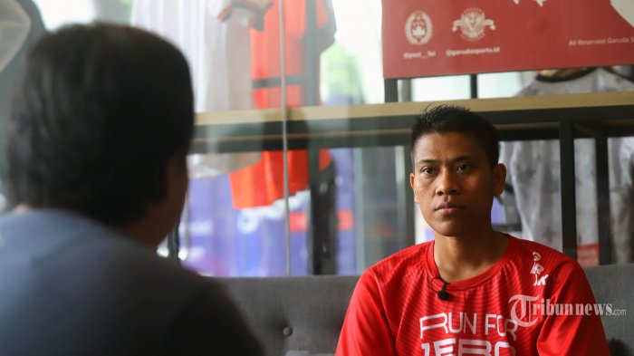 Penderita Orang Dengan HIV (ODHIV) Endang Jamaludin saat ditemui oleh tim Tribunnews di kawasan Senayan, Jakarta Pusat, Rabu (27/11/2019). Endang Jamaludin melakukan aktvitas berlari sekaligus untuk mengkampanyekan Run For Zero Discrimination Terhadap Orang Dengan HIV (ODHIV). Tribunnews/Jeprima