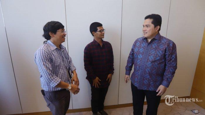 Pengusahan Erick Thohir saat melakukan wawancara khusus dengan tribunnews.com, di Jakarta, Senin (30/9/2019). Wawancara tersebut seputar aktivitas Erick Thohir saat ini dan juga isu dirinya yang dicalonkan menjadi menteri dikabinet Jokowi periode kedua. TRIBUNNEWS/HERUDIN