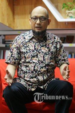 Penyidik senior Komisi Pemberantasan Korupsi (KPK) Novel Baswedan menjawab pertanyaan saat wawancara khusus dengan Tribunnews di Gedung KPK, Jakarta, Jumat (19/6/2020). TRIBUNNEWS/IRWAN RISMAWAN