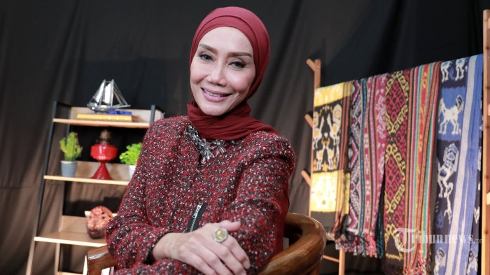 Politisi Okky Asokawati berpose usai wawancara khusus di Kantor Tribun Network, Jakarta Pusat, Kamis (4/3/2021). Tribunnews/Irwan Rismawan