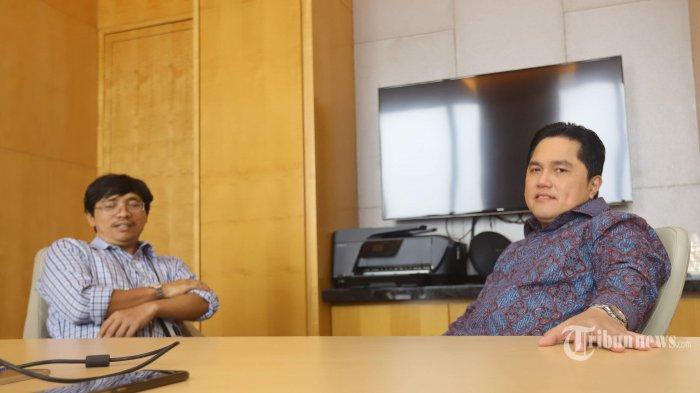 Pengusaha Erick Thohir saat diwawancara secara khusus oleh Tribunnews, di Jakarta, Senin (30/9/2019). Wawancara tersebut seputar aktivitas Erick Thohir saat ini dan juga isu dirinya yang dicalonkan menjadi menteri di kabinet Presiden Joko Widodo (Jokowi) periode kedua. Tribunnews/Herudin