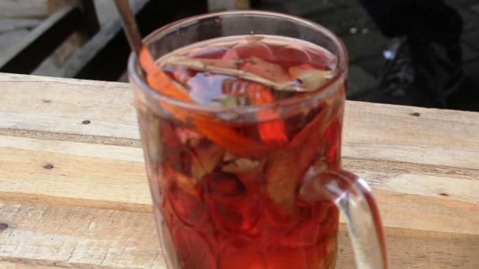 Wedang Uwuh, Minuman Khas Imogiri, Yogyakarta, Diracik dari Kayu Manis dan Secang
