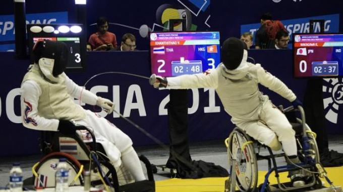 Tiongkok Gondol Tiga Emas dari Cabor Wheelchair Fencing