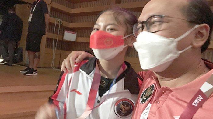 Lifter Angkat Besi Wanita Windy Cantika Aisah Terharu Dapat Perunggu Olimpiade Jepang