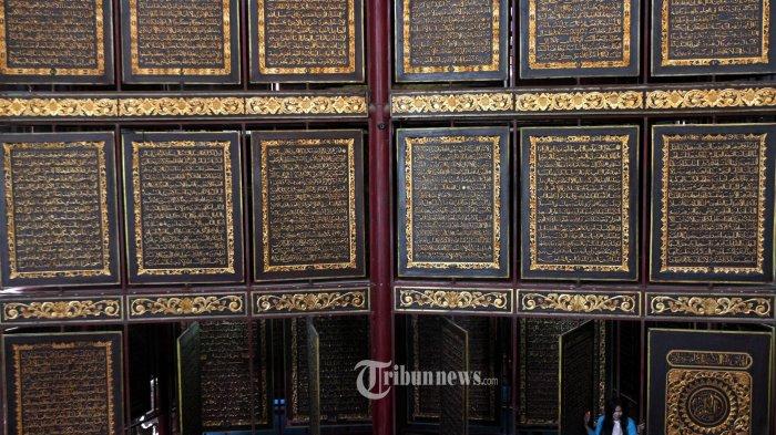 Al Quran Raksasa