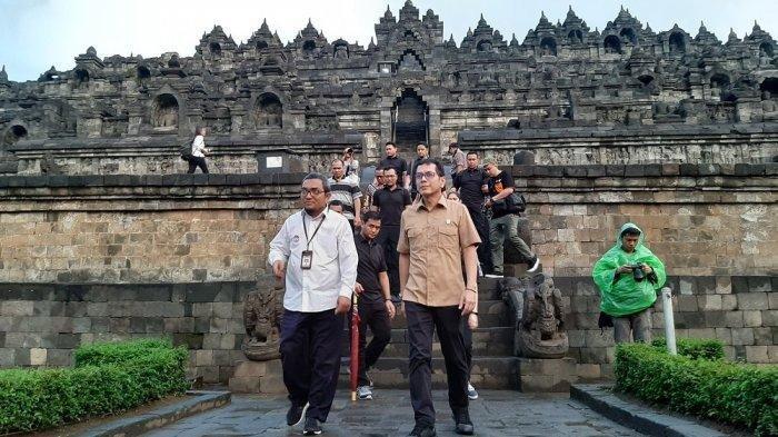 Menteri Pariwisata dan Ekonomi Kreatif, Wishnutama, melakukan kunjungan kerja ke Candi Borobudur di Magelang, Jawa Tengah, Kamis (19/12/2019), bersama Wakil Menteri, Angela Tanoesoedibjo.