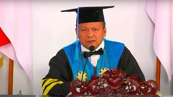 "Menteri Kelautan dan Perikanan Edhy Prabowo mewisuda 1.356 mahasiswa dari Pendidikan Tinggi Lingkup Kementerian Kelautan Dan Perikanan"" Tahun Ajaran 2019/2020 via online."
