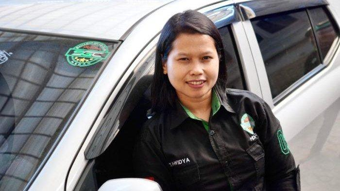 Wita Widya, pengemudi GrabCar penggerak sesi bela diri bagi driver perempuan Medan.