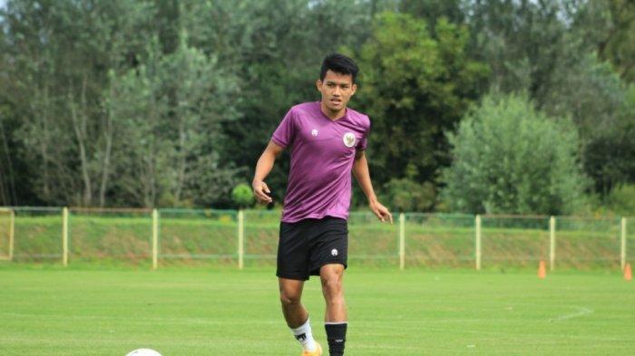 Aksi Witan Sulaeman saat menjalani latihan bersama Timnas U-19 Indonesia di Kroasia