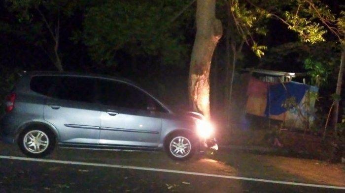Mobil Tabrak Pohon di Lombok Utara, Pengemudi WNA yang Diduga dalam Kondisi Mabuk