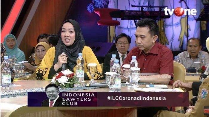 Warga Depok, Firni bersama suaminya, Dodi Setiawan hadir dalam diskusi Indonesia Lawyers Club (ILC) TVOne.