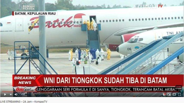 BREAKING NEWS WNI dari China Tiba di Bandara Hang Nadim Batam, Aktivitas Penerbangan Berjalan Normal