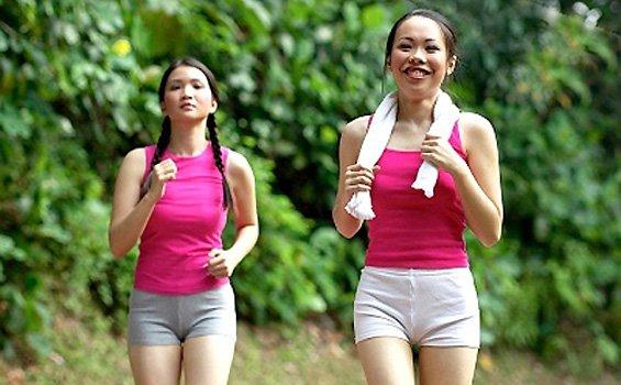 women jogging 1 BERJALAN KAKI