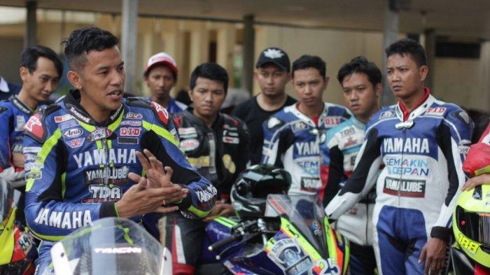 Lewat Workshop yang Digelar Yamaha Ini, Komunitas Motor Jadi Pintar Soal Teknik di Lintasan Balap