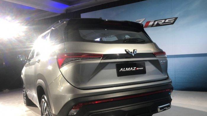 Wuling Almaz RS di Ancol dalam acara media test drive, Jakarta Utara, Kamis (18/3/2021)