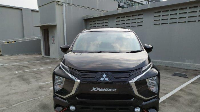 Xpander Cross Rockford Fosgate Black Edition