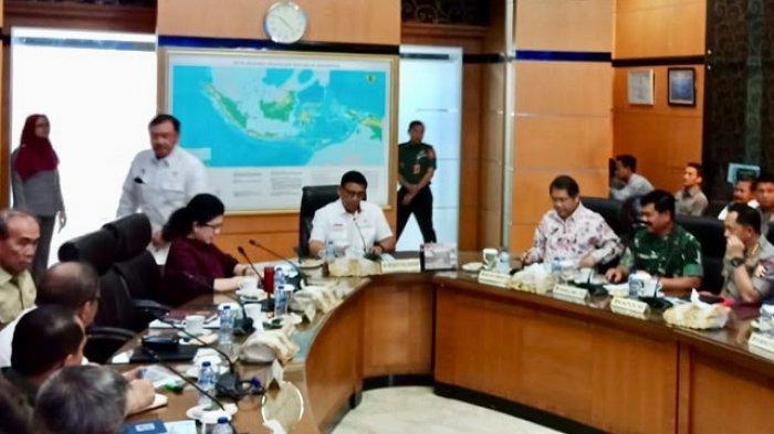 Wiranto Pimpin Rapat Tingkat Menteri Bahas Persiapan Pelantikan Anggota DPR dan Presiden