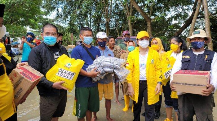 Yanti Airlangga Kembali Turun Tangan Bersama IIPG Bantu Warga Terdampak Banjir di Karawang