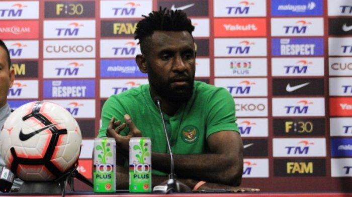 Yanto Basna menghadiri jumpa pers