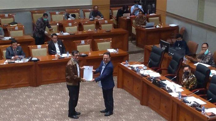 Pemerintah Serahkan Daftar Inventarisasi Masalah RUU MK kepada DPR
