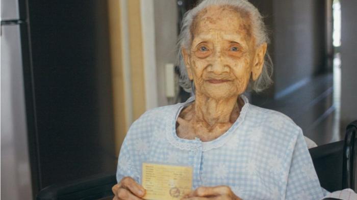 Sering Konsumsi Daun Binahong Usia Nenek Yati Bisa Mencapai 105 Tahun