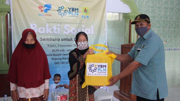 YBM PLN Klaten dan Solopeduli Bagikan 150 Sembako ke Warga Desa Kupang yang Masih Kesulitan Ekonomi