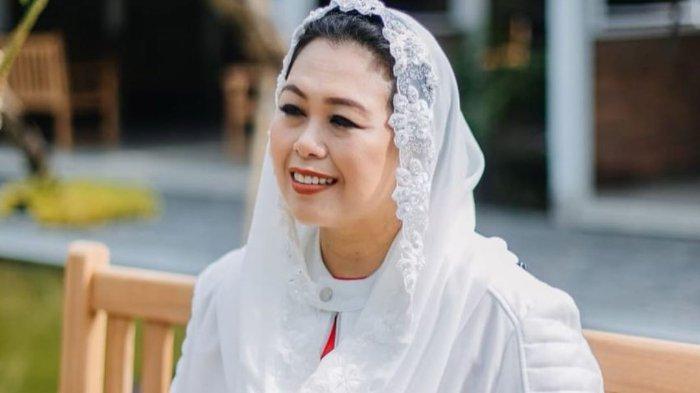 Nama putri kedua Presiden Abdurrahman Wahid, Yenny Wahid, masuk dalam jajaran Komisaris PT Garuda Indonesia Tbk sebagai Komisaris Independen.