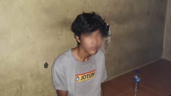 Yones Siondihon Naibaho, penembak kepala anggota Polda Sumut Aiptu Josmer Samsuardi Manurung ditahan di sel Polsek Tanjungmorawa, Kamis (19/8/2021).