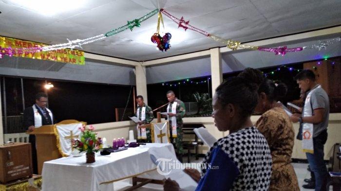 Satgas Pamtas Yonif PR 328/DGH Laksanakan Ibadah Malam Natal Bersama Masyarakat Perbatasan