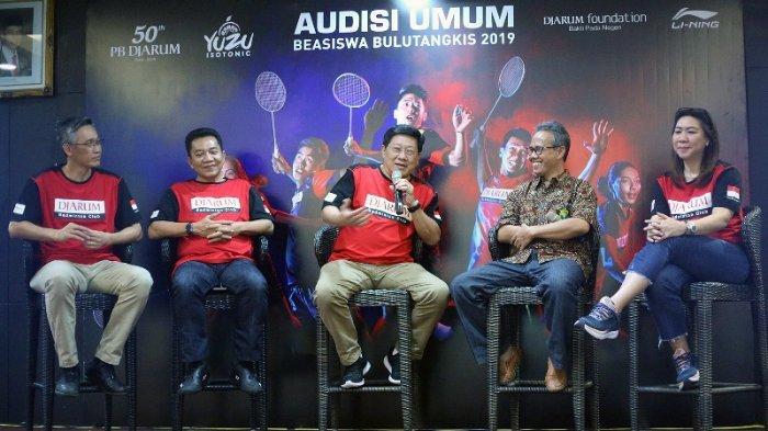 Program Director Bakti Olahraga Djarum Foundation Yoppy Rosimin, saat jumpa pers